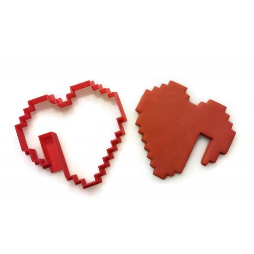 8 Bit Heart notched cookie cutter